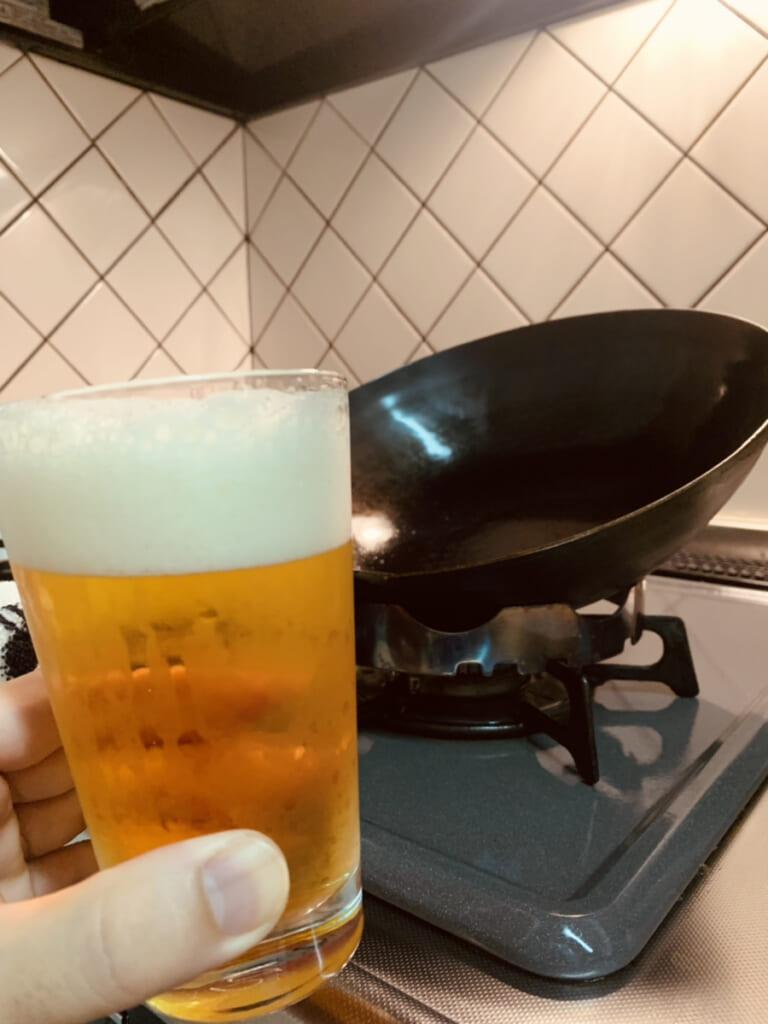 ビールと中華鍋